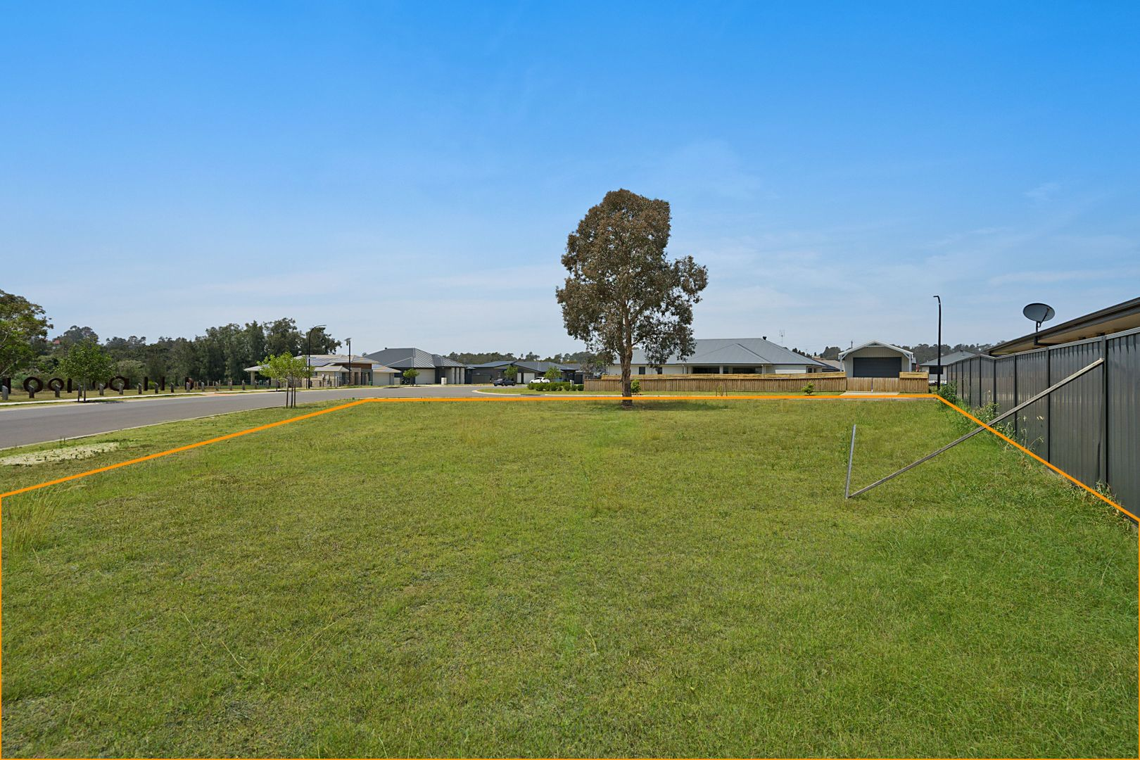 2 Centrefield Street, Rutherford NSW 2320, Image 2