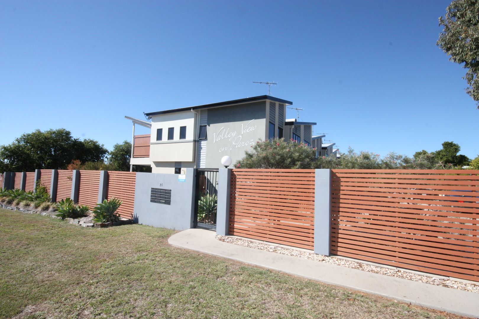 6/21 Paroz Crescent, Biloela QLD 4715, Image 0