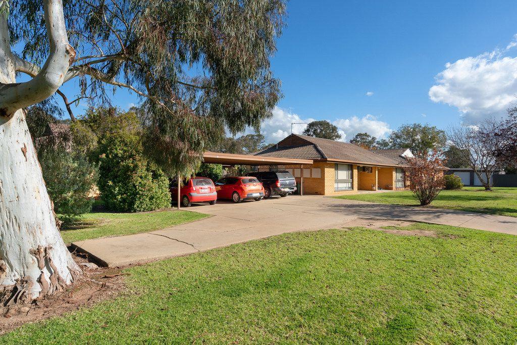 2/66 Inglis Street, Lake Albert NSW 2650, Image 0