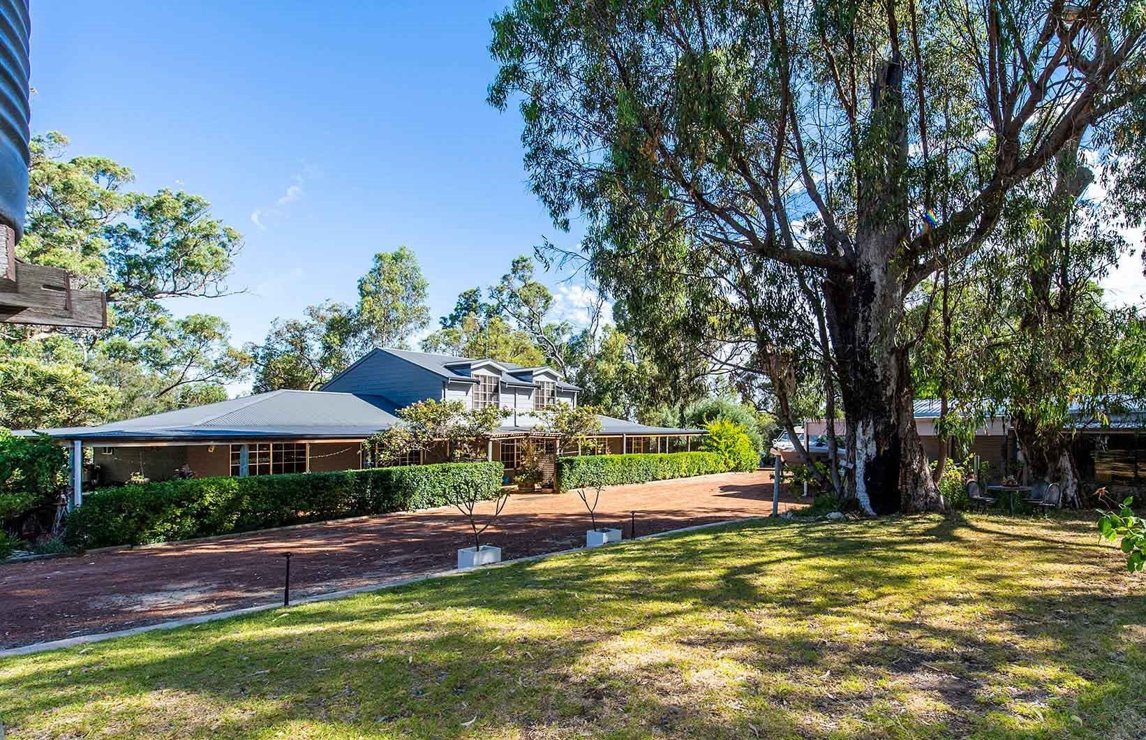 61 Thompson Crescent, Lake Clifton WA 6215, Image 2