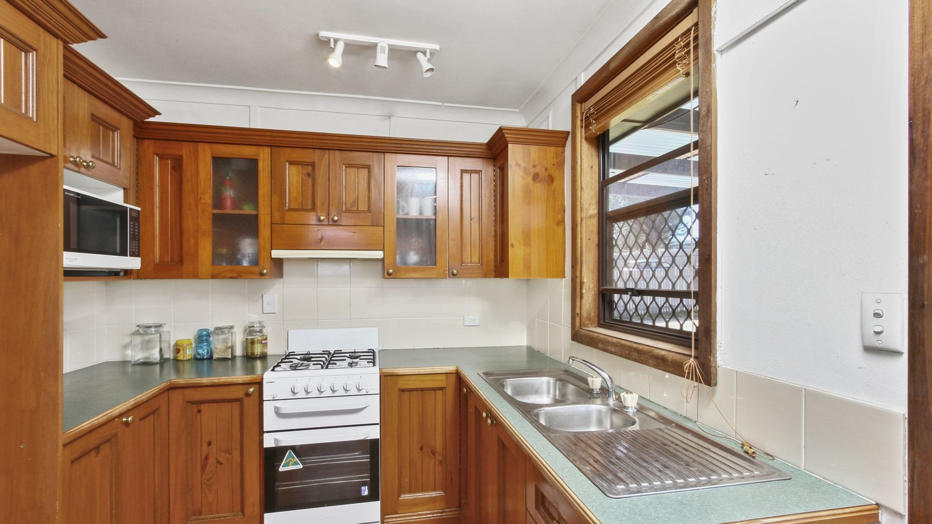 5 Davies Crescent, Goulburn NSW 2580, Image 2