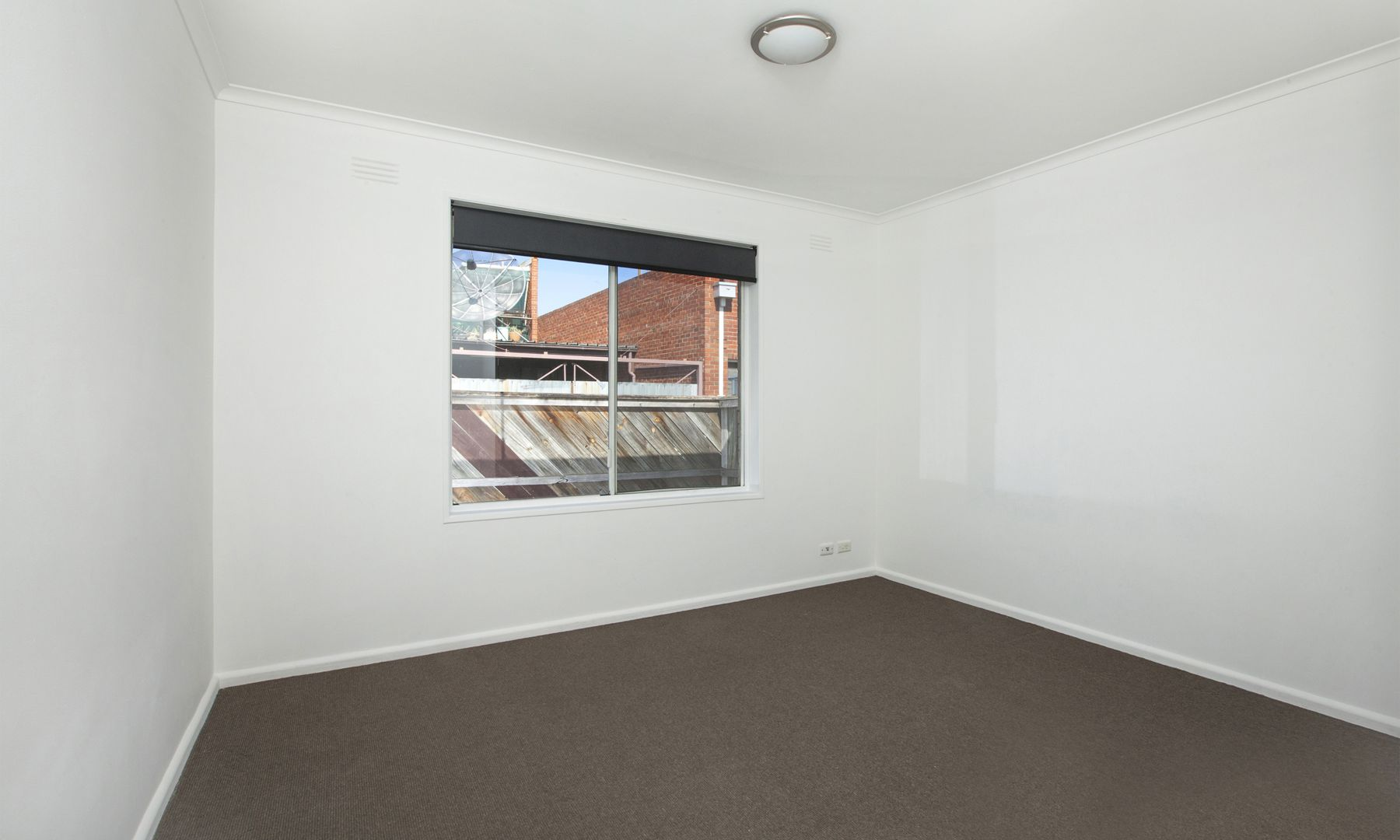 2/2 Woolton Avenue, Thornbury VIC 3071, Image 2