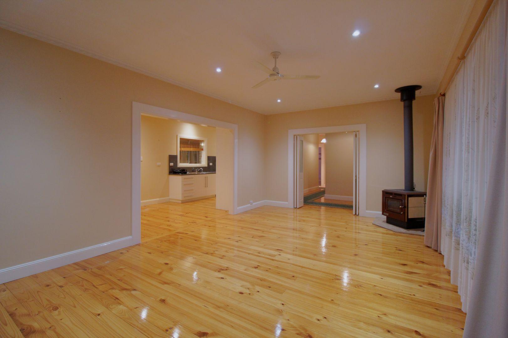 24 Coral Street, Loxton SA 5333, Image 2
