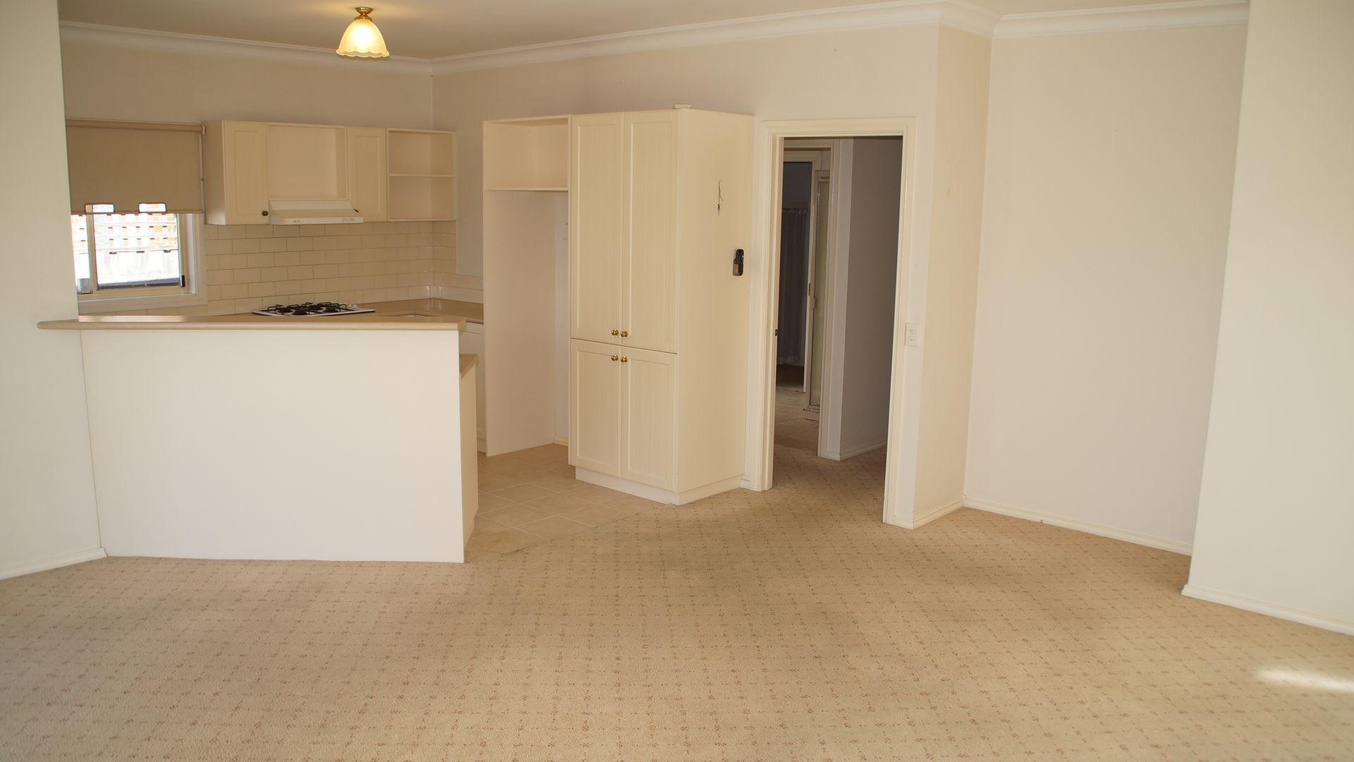 2 Thomas Street, Geelong West VIC 3218, Image 2