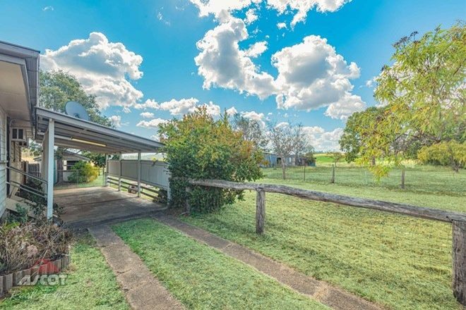 Picture of 41 Ellerays Road, MCILWRAITH QLD 4671