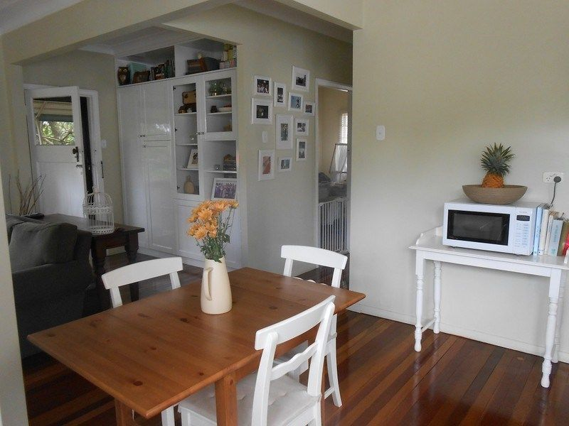 45 Foch Street, Wynnum West QLD 4178, Image 2