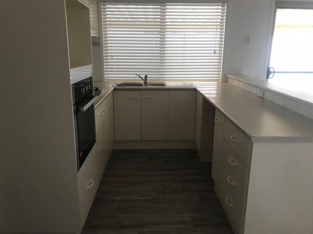 4 Skyhawk Avenue, Hamlyn Terrace NSW 2259, Image 2