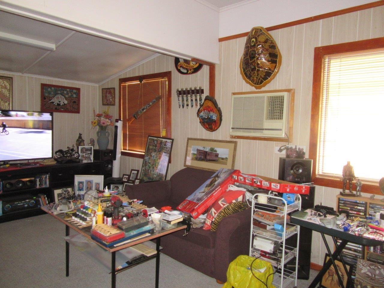 10 Nisbet Street, Winton QLD 4735, Image 1