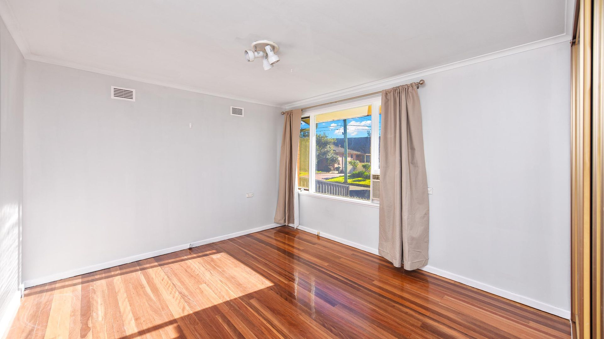 22 Fitzgerald Avenue, Hammondville NSW 2170, Image 2