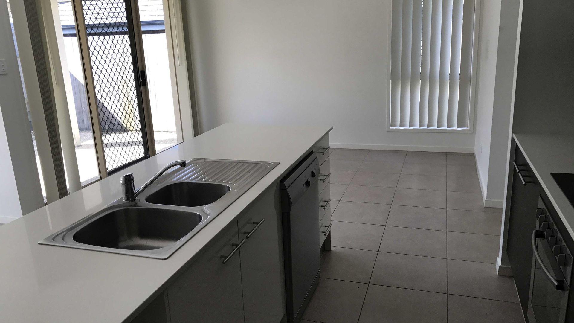 3 Turner Crescent, Ormeau Hills QLD 4208, Image 2