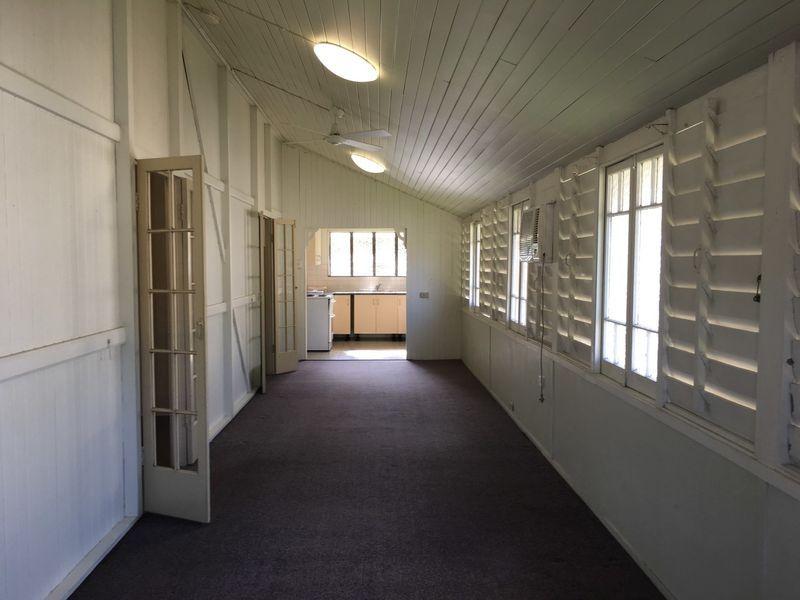 2/254 Lake Street, Cairns North QLD 4870, Image 2