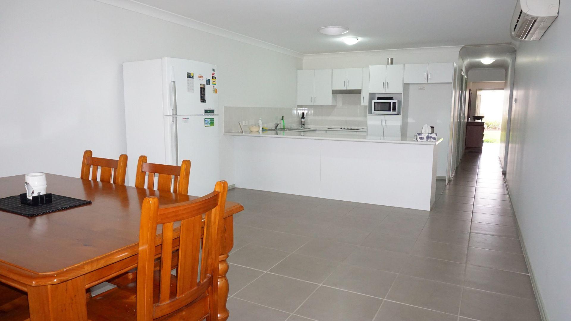 1/8 Wilkinson Boulevard, Singleton NSW 2330, Image 2