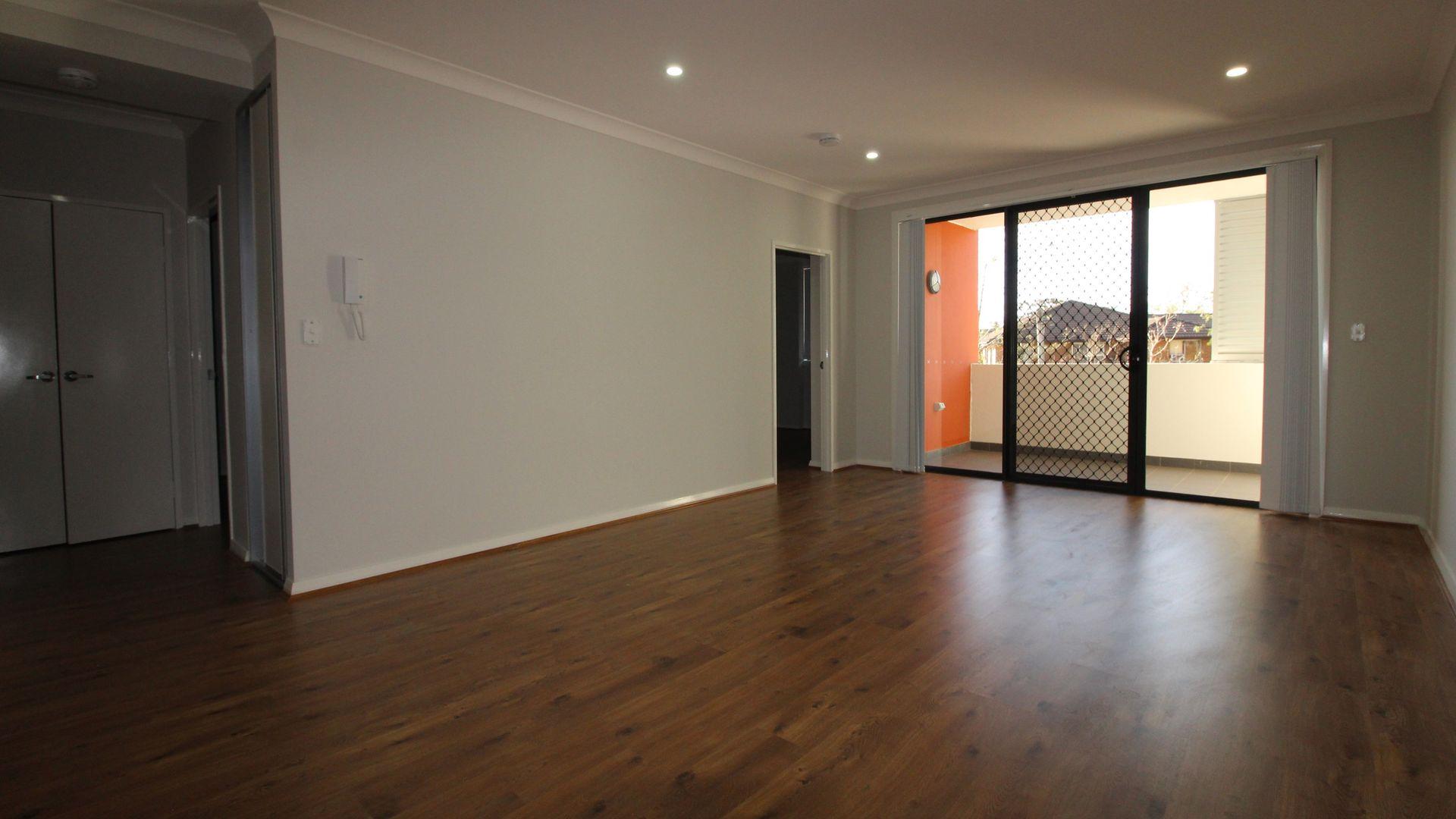 15/2-4 Amos Street, Westmead NSW 2145, Image 2