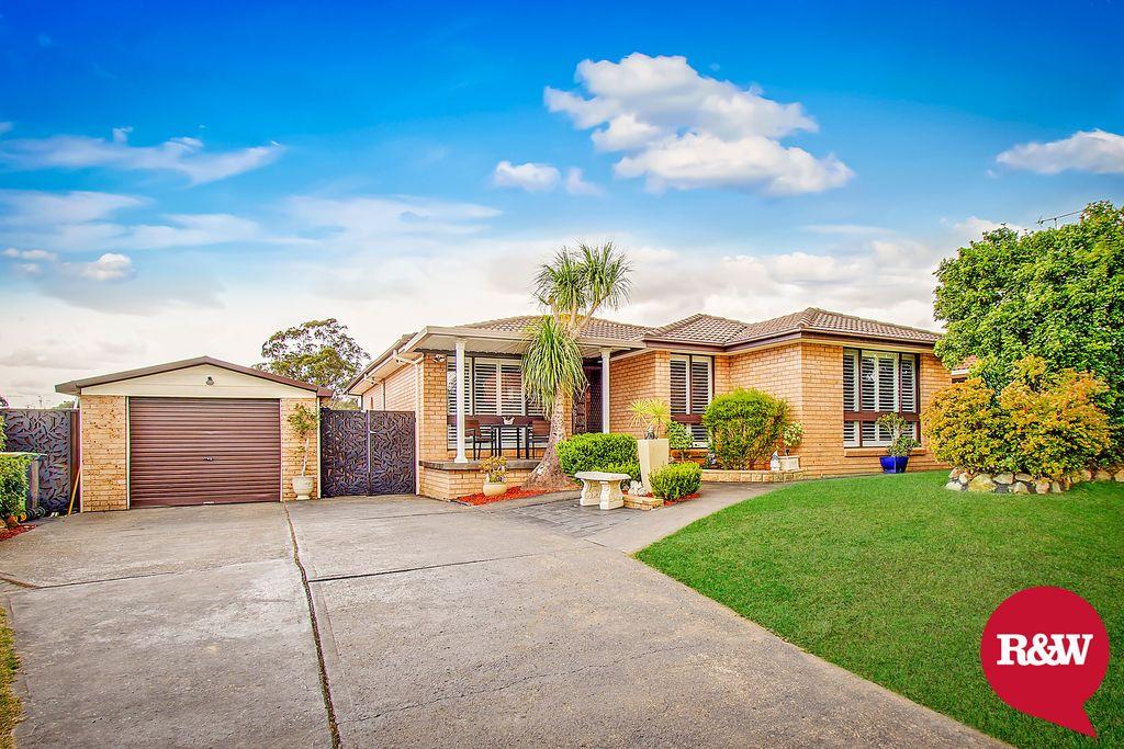 16 Derwent Place, St Clair NSW 2759, Image 0