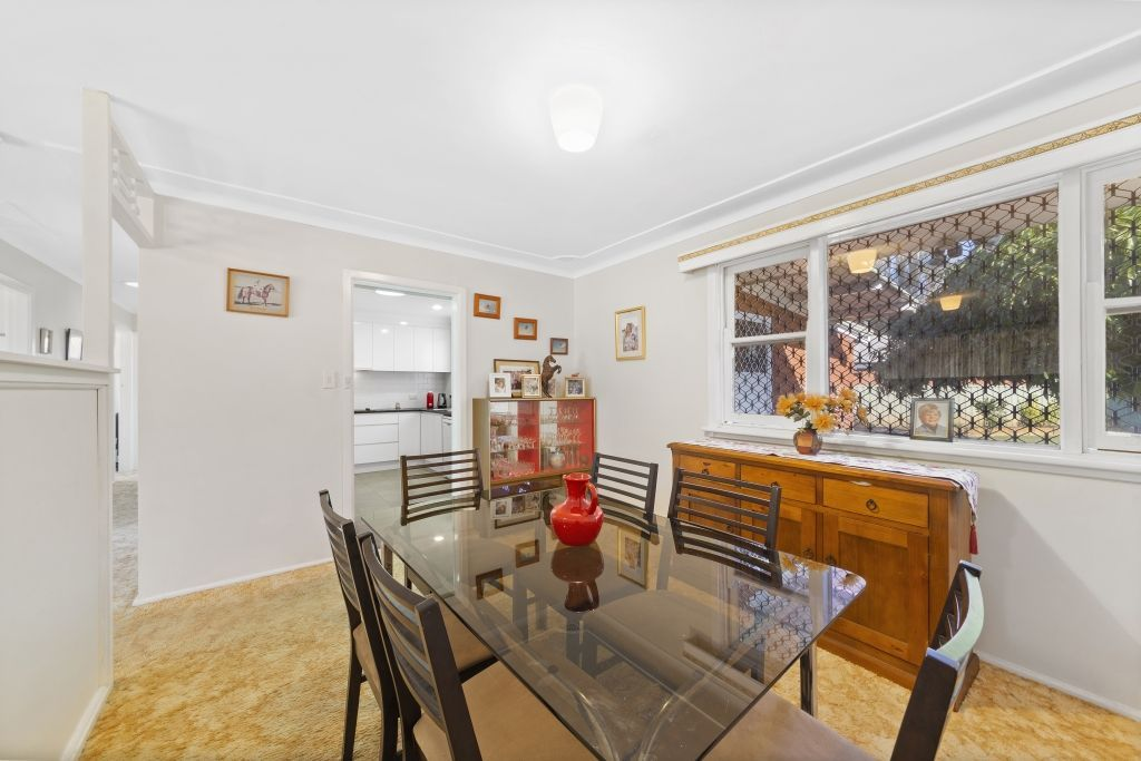 15 Robin Crescent, Woy Woy NSW 2256, Image 2