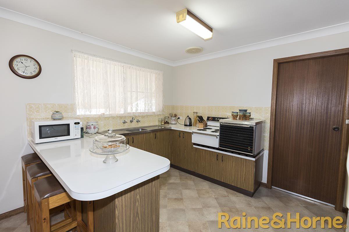 35 Opal Street, Dubbo NSW 2830, Image 2