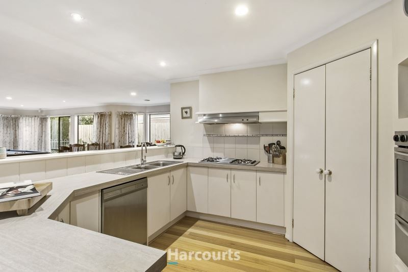 22 St Andrews Court, Narre Warren South VIC 3805, Image 1