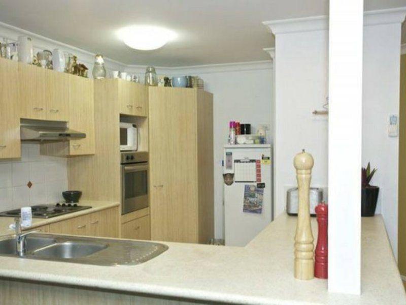 11 Oaktree Place, Bracken Ridge QLD 4017, Image 2