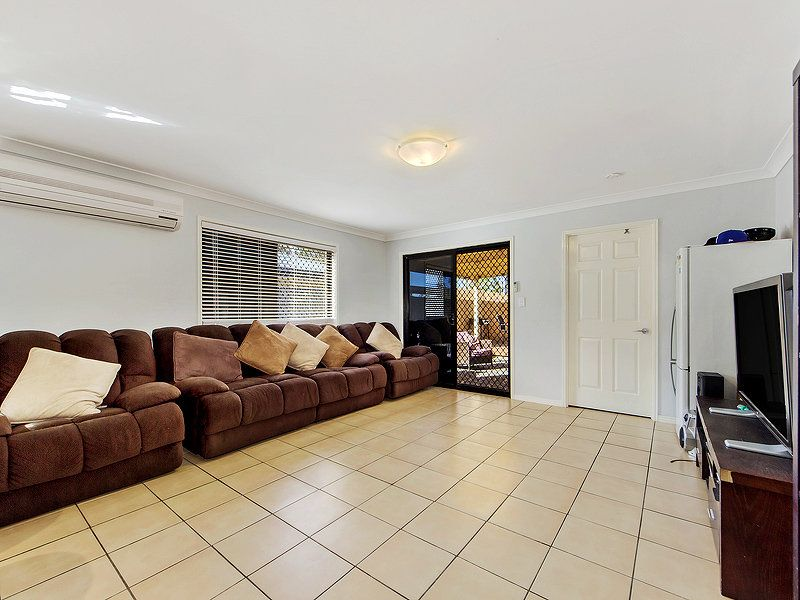 18 Rachele Close, Forest Lake QLD 4078, Image 2