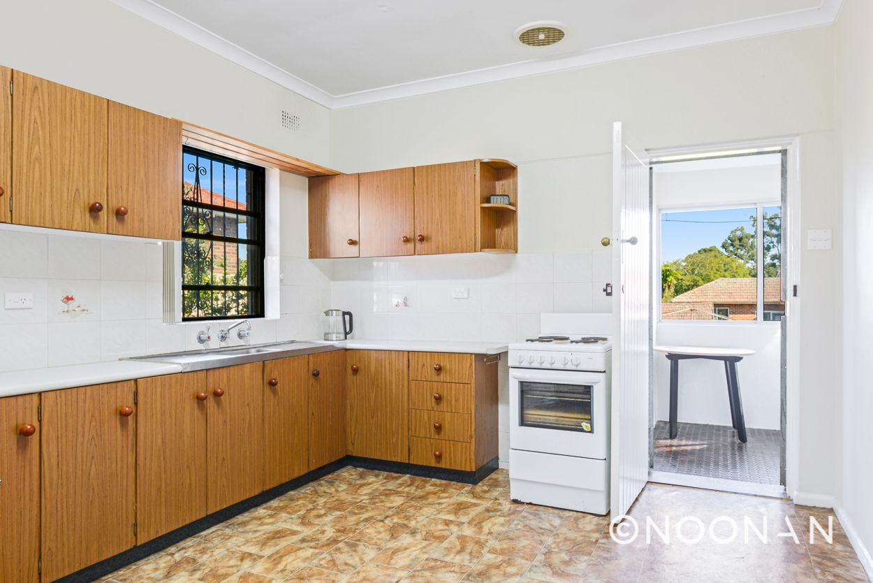 4 Kardella Crescent, Narwee NSW 2209, Image 2