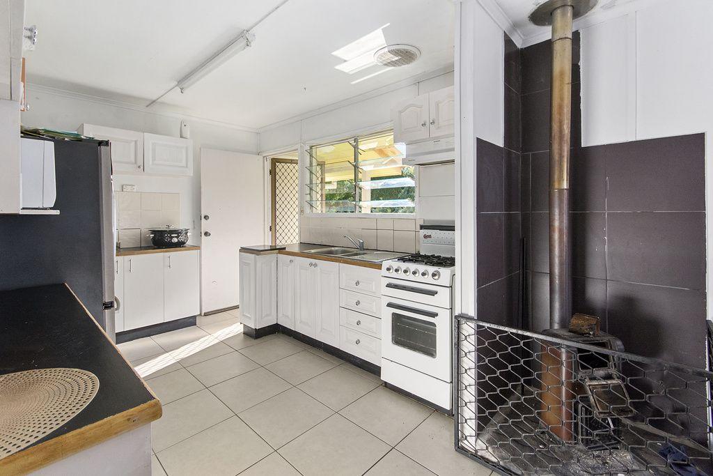 48 Avon Street, Leichhardt QLD 4305, Image 2