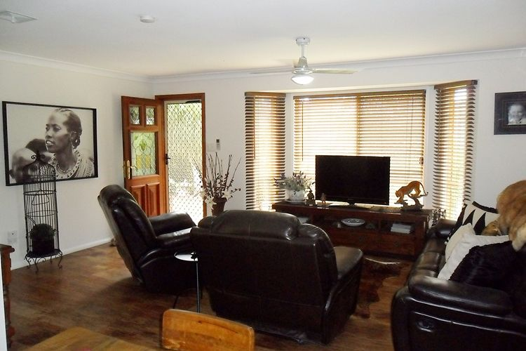 7 Crows Ash Court, Lowood QLD 4311, Image 2