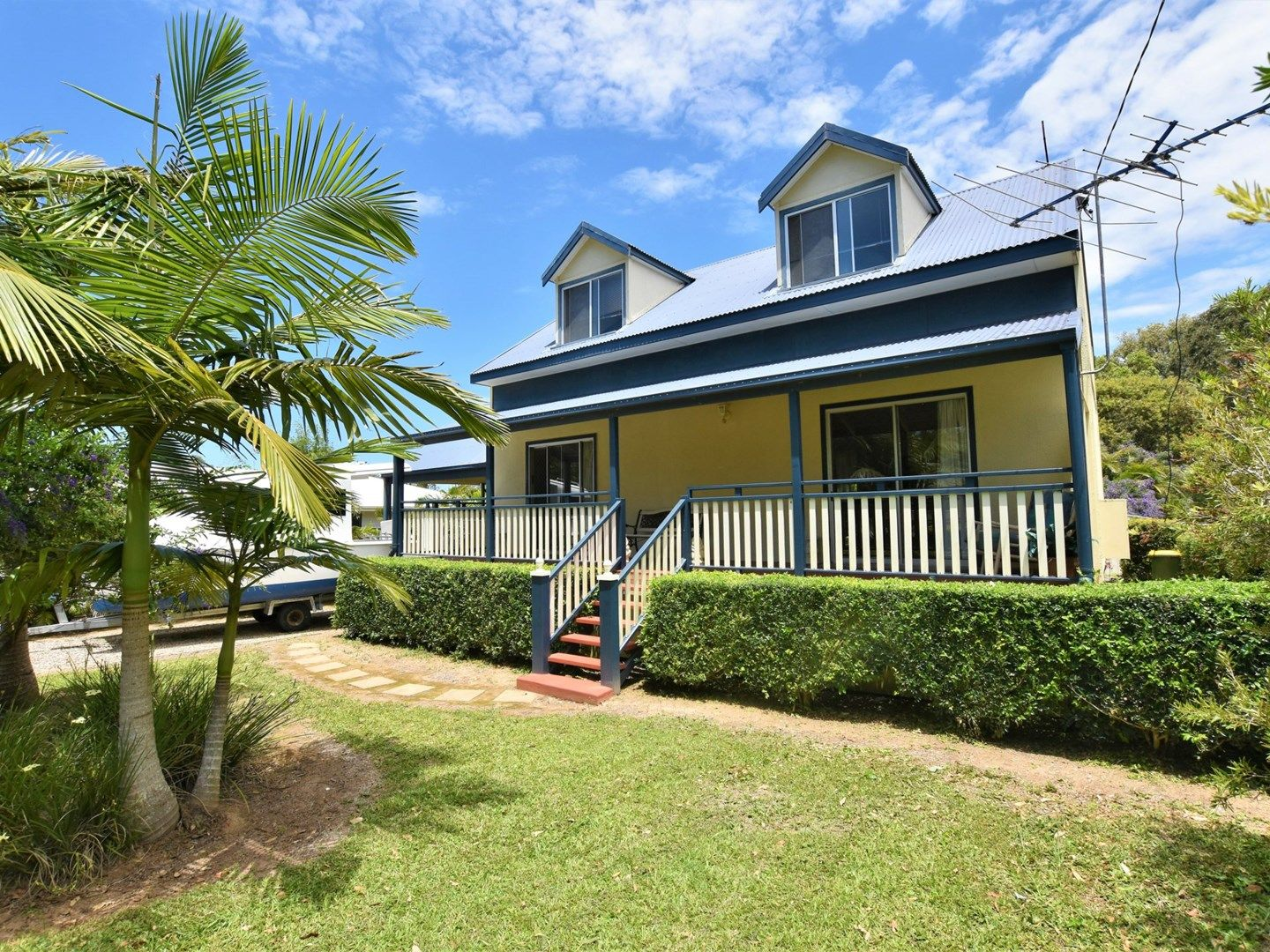 10 Tenanne Street, Russell Island QLD 4184, Image 0