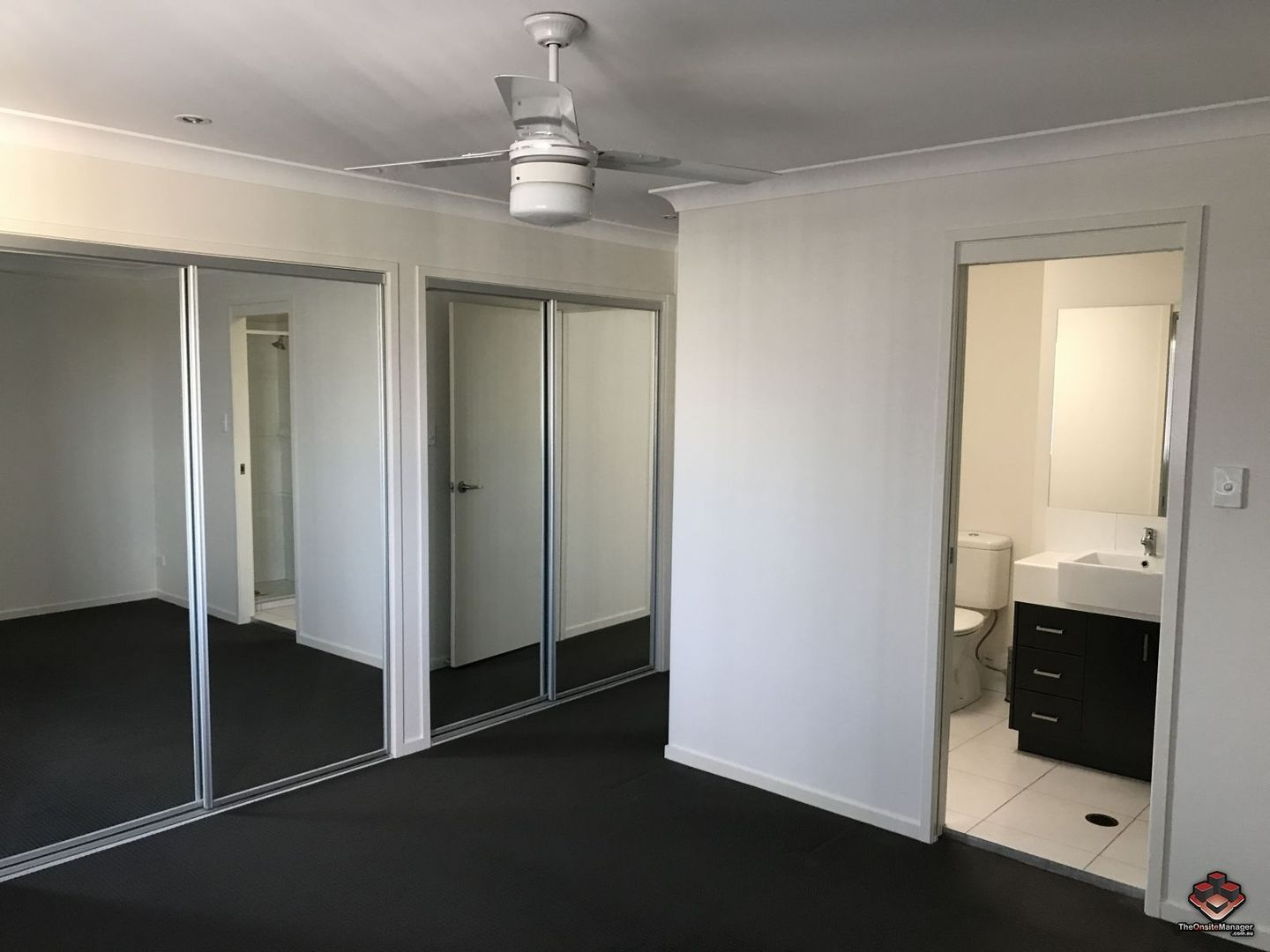 ID:3860265/88 Candytuft Place, Calamvale QLD 4116, Image 2