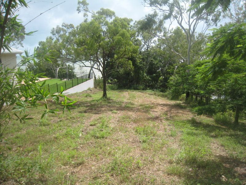 10 Gloucester Avenue, Hideaway Bay QLD 4800, Image 1