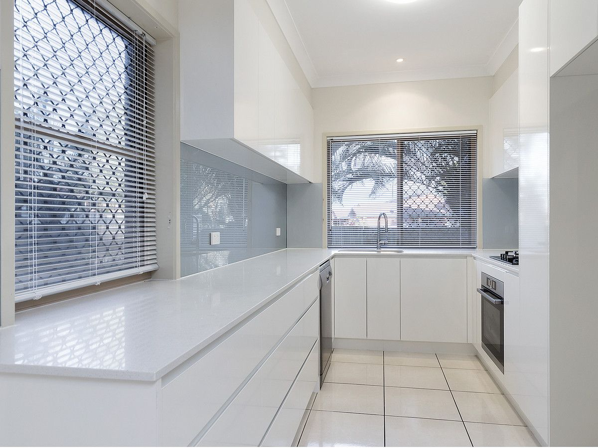 2/22 Boat Street, Victoria Point QLD 4165, Image 2