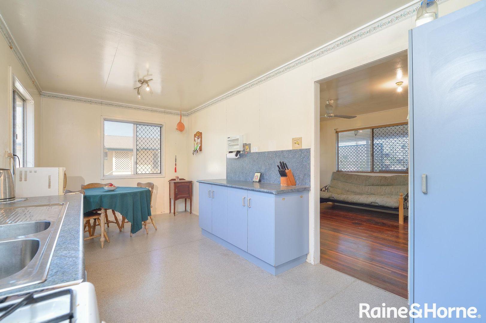 4 Javelin Street, Toolooa QLD 4680, Image 2