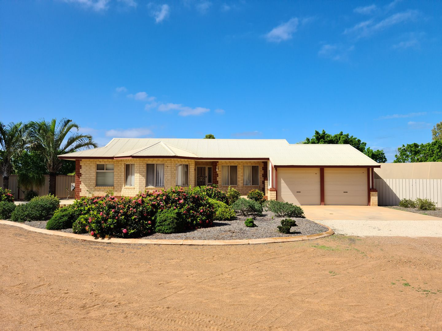 10 , 10A/B William Street, Carnarvon WA 6701, Image 1