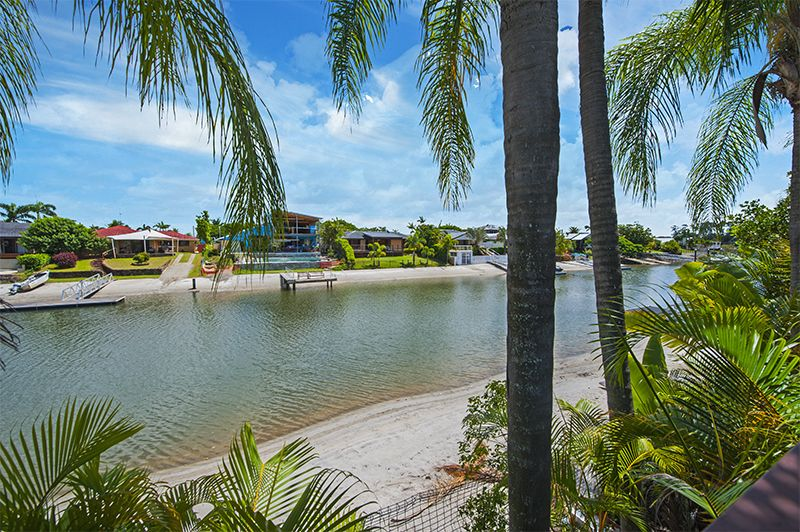 10 Cedar Place, Broadbeach Waters QLD 4218, Image 0