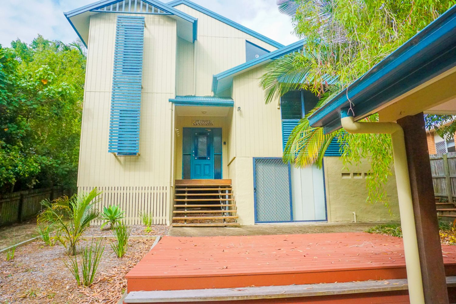 FLIPPER HOUSE, 15 Bigoon Road, Point Lookout QLD 4183, Image 0
