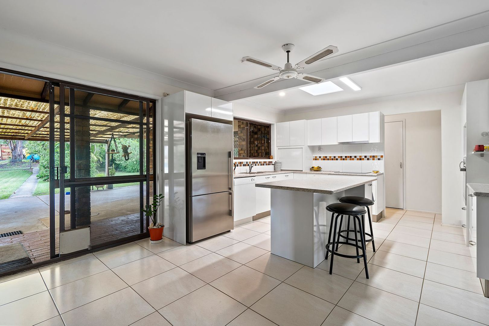82-88 Sharton Avenue, Buccan QLD 4207, Image 2