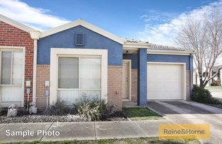 Picture of 10/17 Crestmont Drive, Melton South VIC 3338