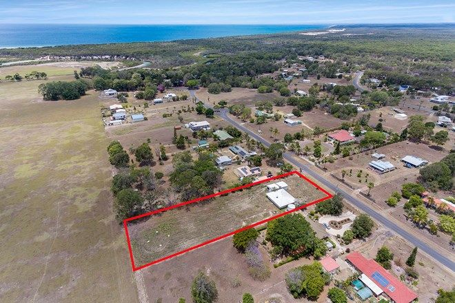 Picture of 37 Davenport Drive, COONARR QLD 4670