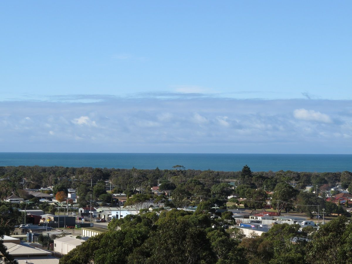 120 Myer Street, Lakes Entrance VIC 3909, Image 2