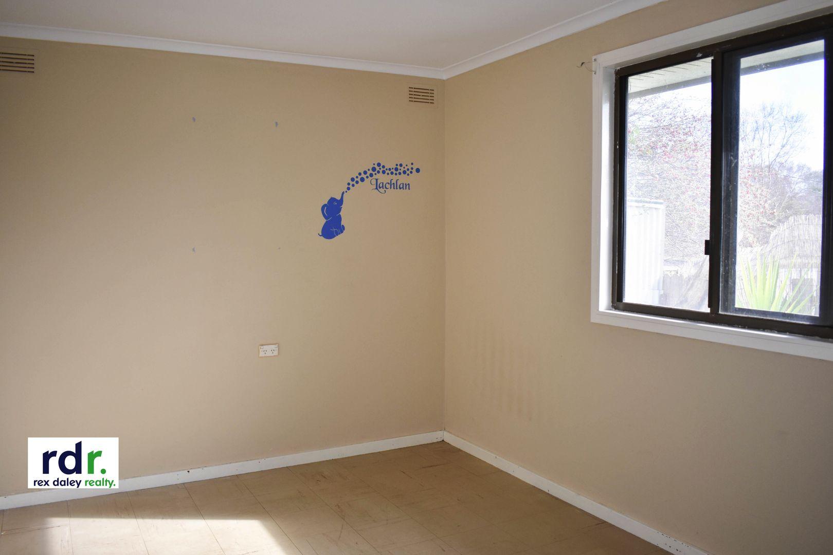 4 Waratah Avenue, Inverell NSW 2360, Image 2