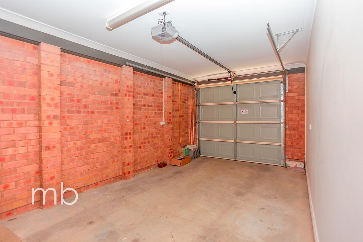 7 Stewart Close, Orange NSW 2800, Image 8