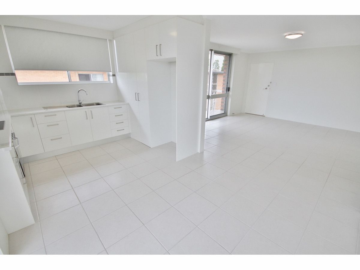 6/13 Crown Street, Holland Park West QLD 4121, Image 2