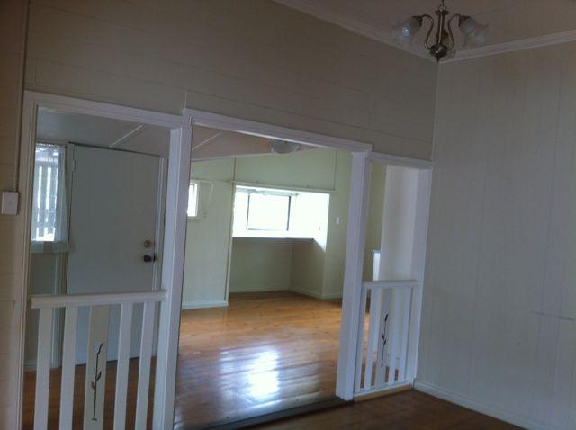 15 Elms Street, Bundamba QLD 4304, Image 2