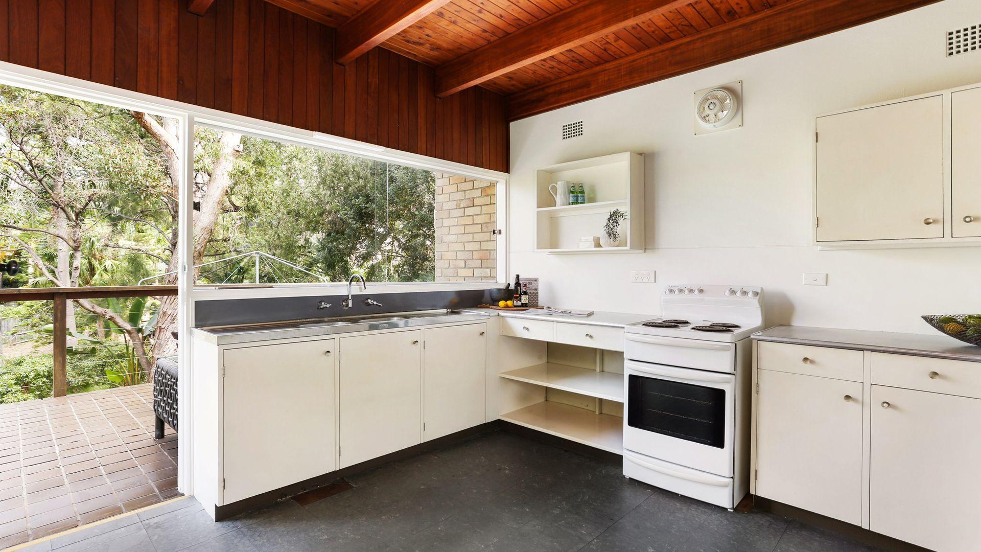 13 Edwards Bay Road, Mosman NSW 2088, Image 2