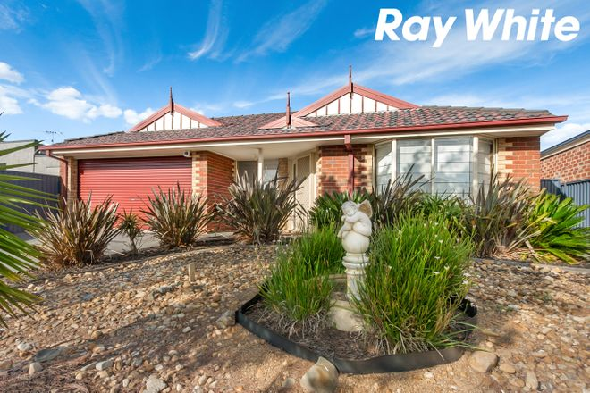 Picture of 13 Radiata Circuit, PAKENHAM VIC 3810