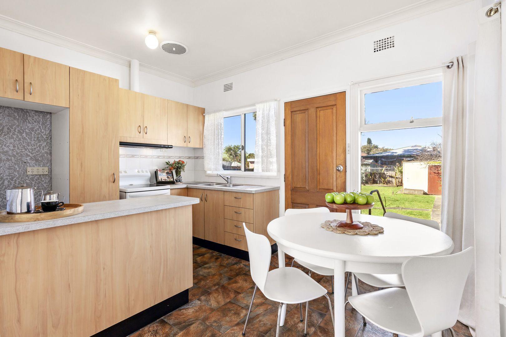 35 Balfour Street, Fairy Meadow NSW 2519, Image 1