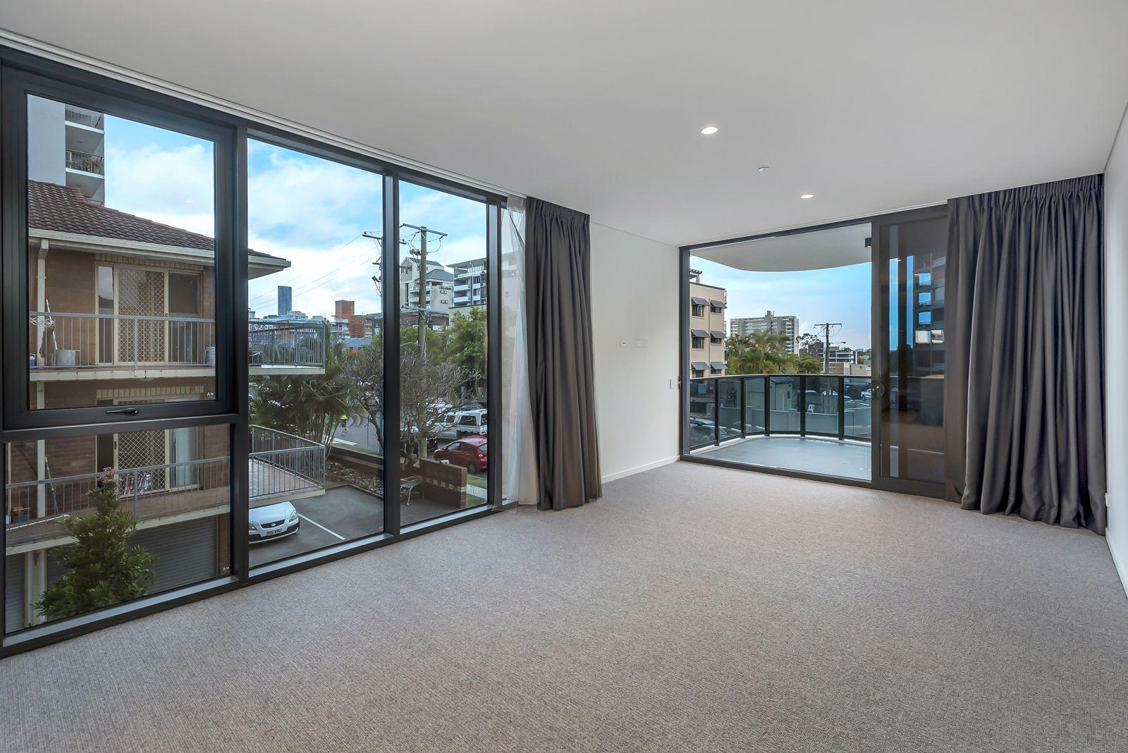 201/232 Wellington Road, Kangaroo Point QLD 4169, Image 2