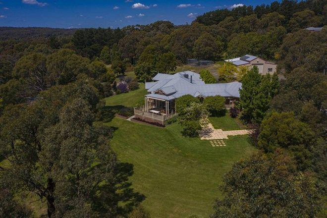 Picture of 19 Candlebark Lane, INVERMAY VIC 3352