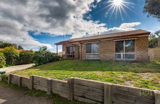Picture of 1/35 Bellchambers Crescent, Banks ACT 2906