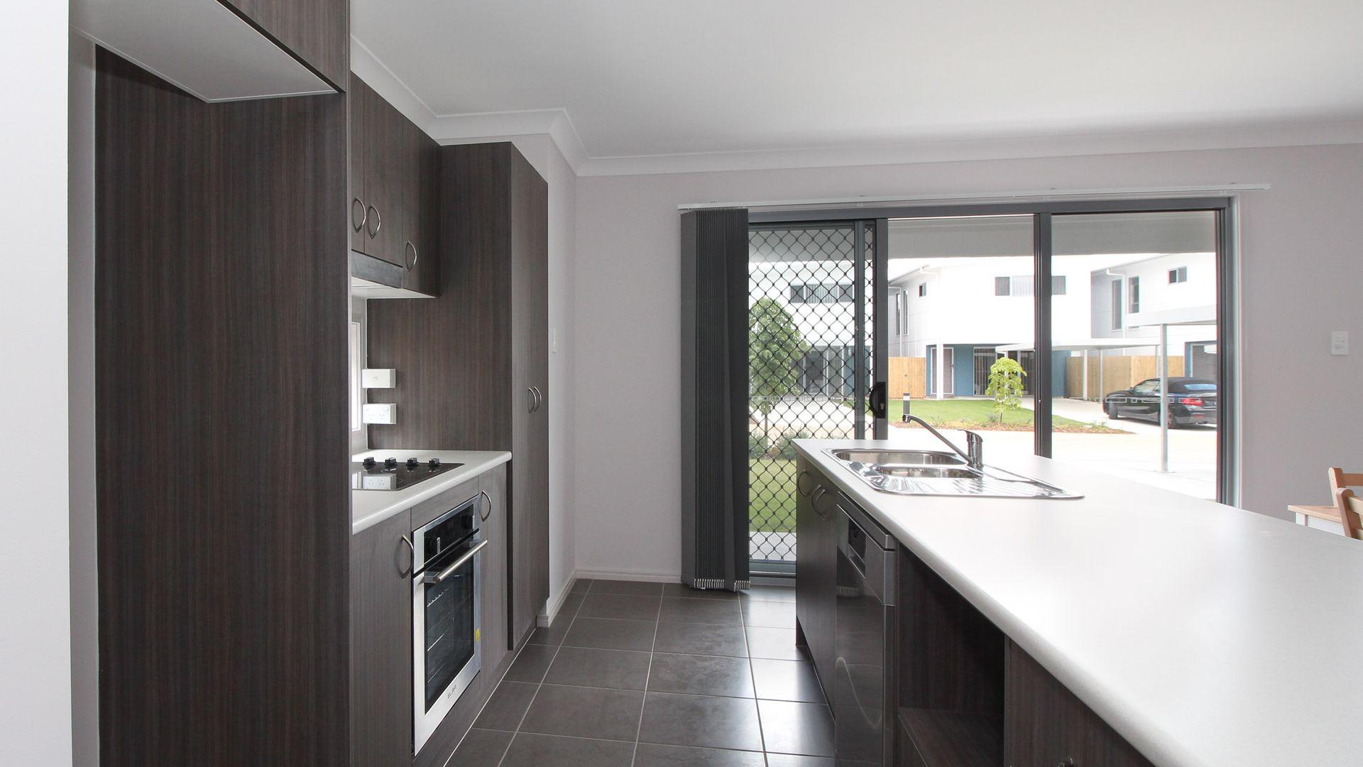 4/25 St Andrews Drive, Leichhardt QLD 4305, Image 2