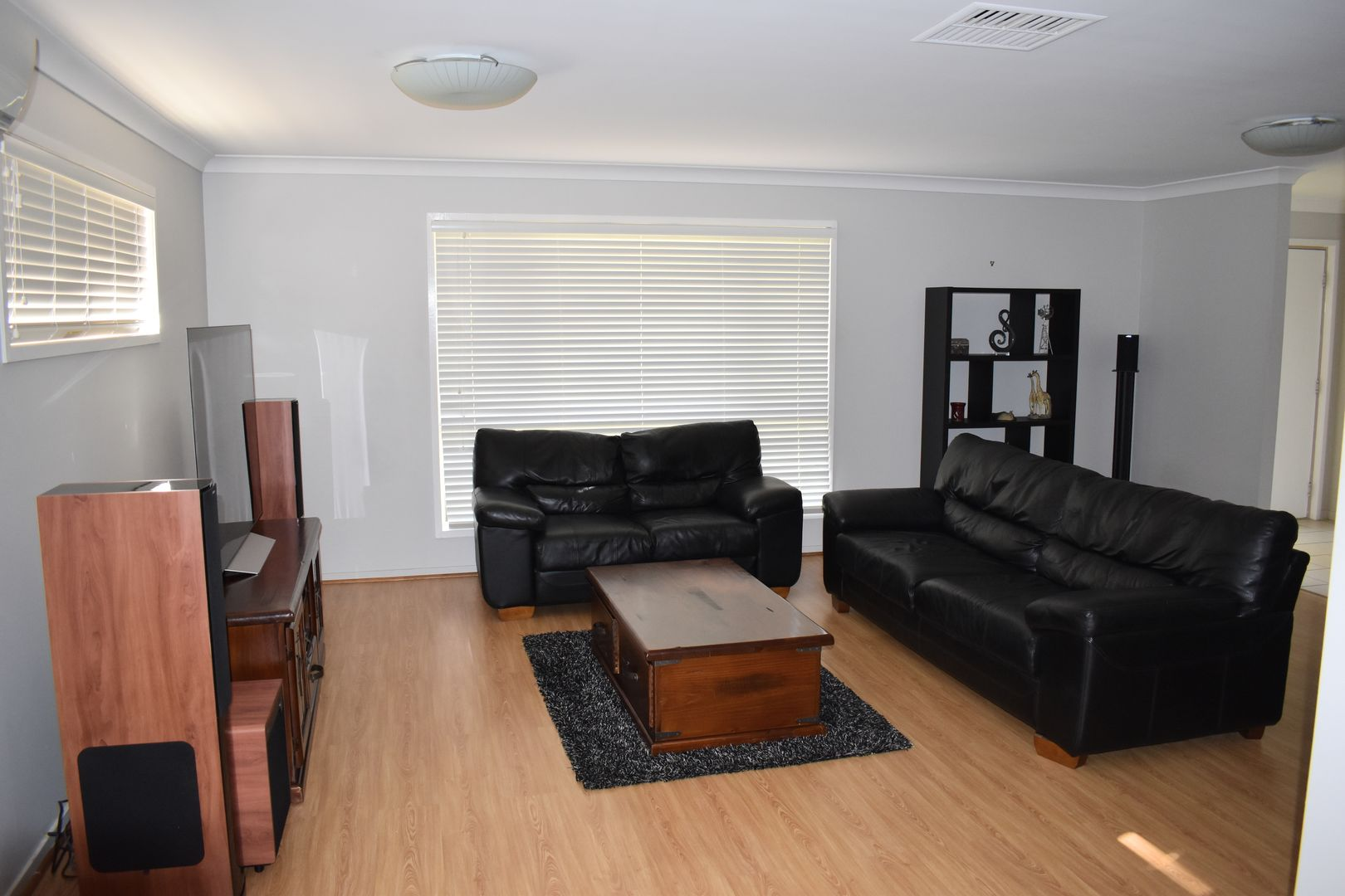 2 Cowan Crescent, Emerald QLD 4720, Image 2